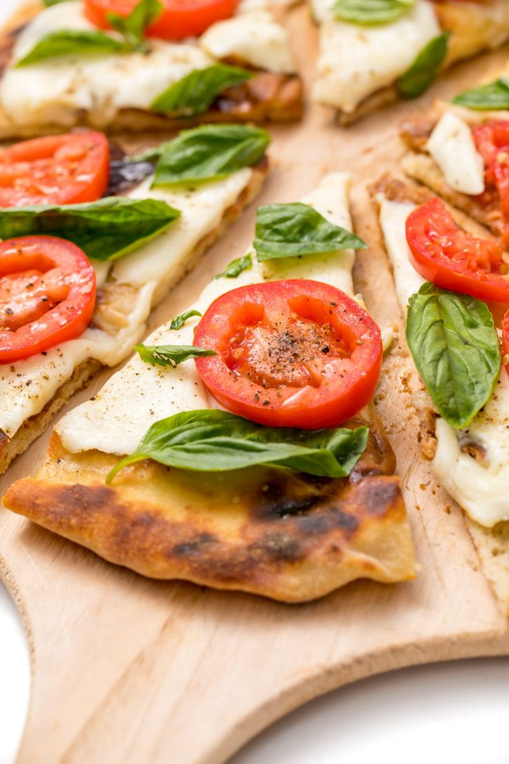 Here's how to make Bobby Flay's famous Margherita grilled