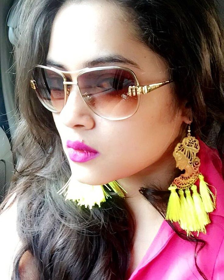 Right... let's do this!!  colour fills me with energy... i need my bright neons to fill me up with happy energy as the scorching sun threatens to drain me... no red bull required just happy bright colours what gives u energy? . . . . .  #summer #style #fashion #tassels #fashionista #india #delhi #noida #mumbai #gurgaon #jaipur #chandigarh #ludhiana #woman #girl #me #selfie #himachal #haryana #instagood #igdaily #premium #luxury #luxurylife #luxurylifestyle #earrings #wow #colourpop #love
