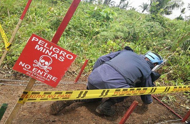 Gracias a tareas de desminado manual, soldados del Batallón de Ingenieros de Desminado Humanitario n. 3, lograron la destrucción de una mina antipersonal