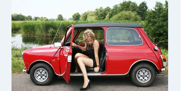 merel zoet and her oldtimer mini special the car is for. Black Bedroom Furniture Sets. Home Design Ideas