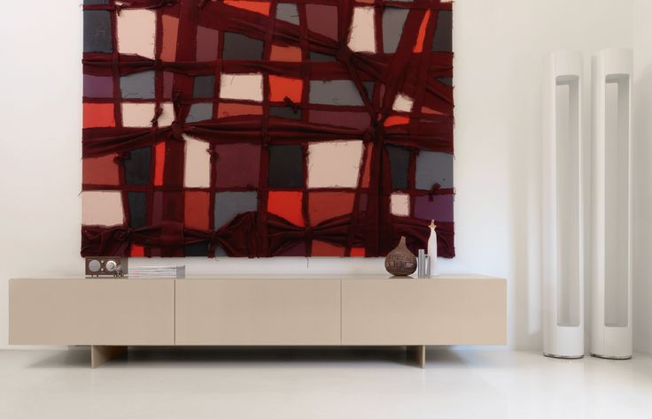 UNI by Piero Lissoni. Discover the collection of cabinets and bookshelves on Cappellini website.