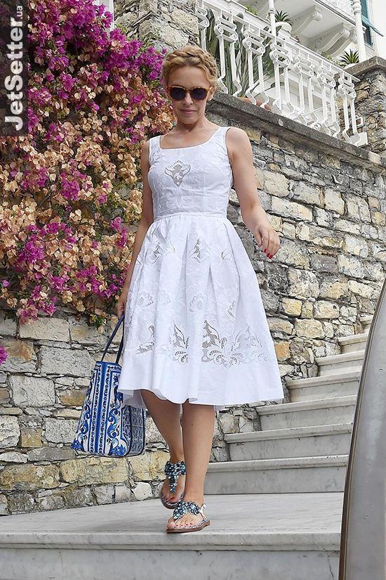 LIFE STYLE Summertime: Кайли Миноуг в нарядах Dolce &...