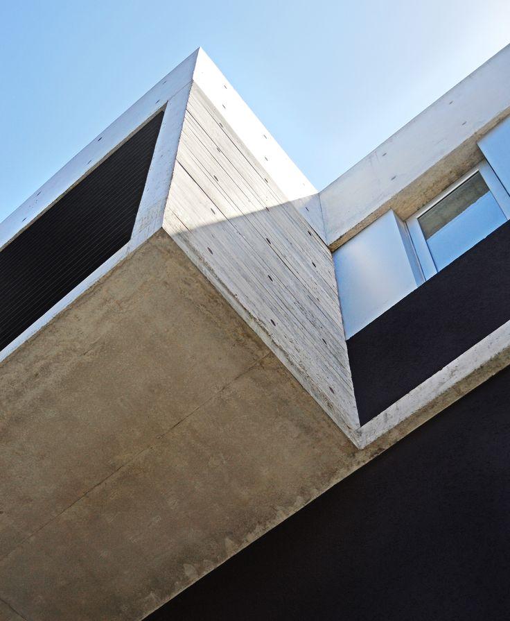 Urban Style Pampa - F2M Arquitectos - Balcón/Volumen de hormigón +Info: www.f2mstudio.com.ar