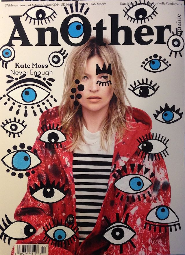 L'artiste Ana Strumpf est l'auteur de la série « Re.Cover » à travers laquelle elle customise à sa manière, avec des feutres Sharpie et DecoColor, des couvertures de magazines tels que W, Interview, Dazed & Confused, Esquire, Vogue ou encore I-D.