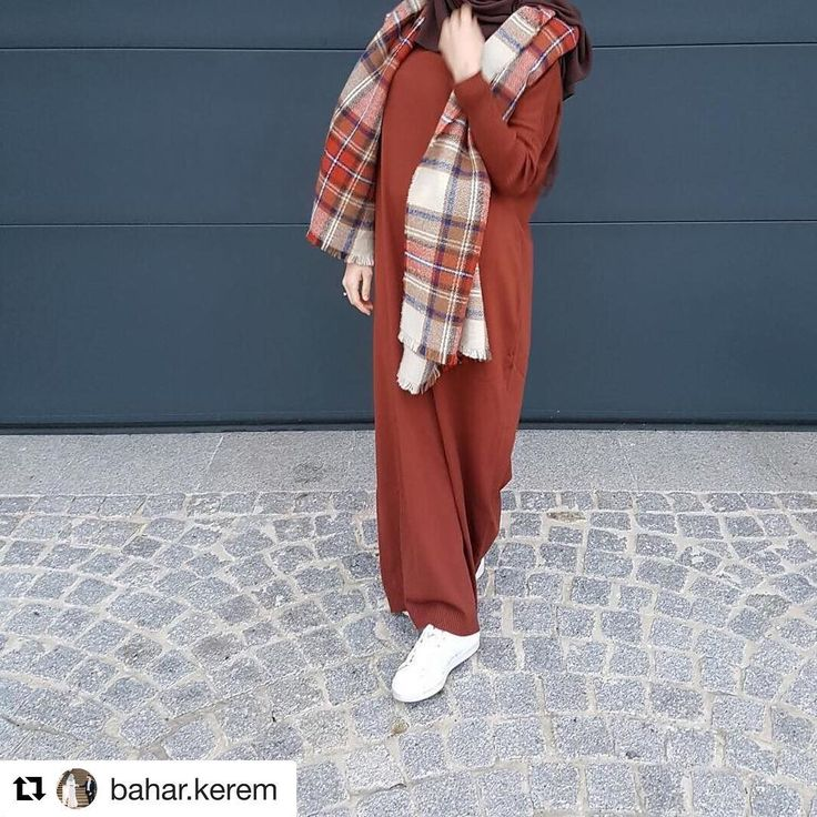 #Repost @bahar.kerem with @repostapp ・・・ Bu soguk havalarda ki tek Care, sicacik giysiler! Güzel triko elbisemi herkese tavsiye ederim🌙✨ Tesekkürler @hilmamoda 💜 Renk:siyah/gri/lila/kahverengi/bordo  Boyu :1,40 30€