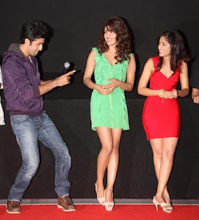 "Priyanka Chopra, Ileana D Cruz and Ranbir Kapoor at the Launch of Movie ""Barfi"" Trailer. 