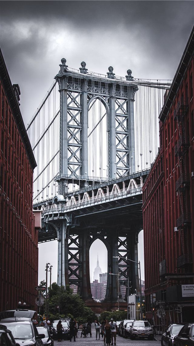 Classic Nyc View Iphone 8 Wallpaper Bridge Brooklyn Newyork Manhattanbridge Waterstreet Dumbo Unitedstat Bridge Wallpaper Nyc Background View Wallpaper