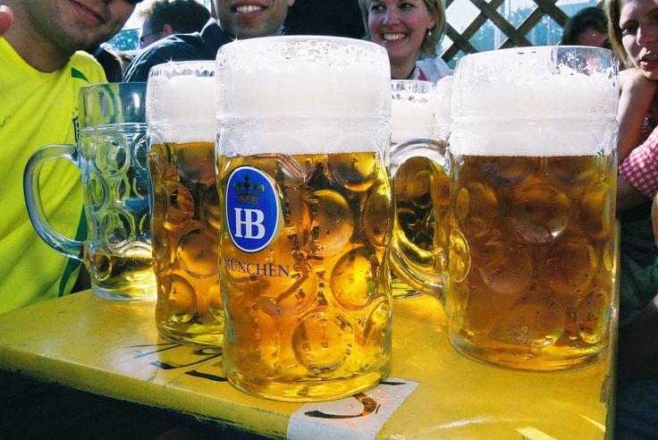 Hofbräu Festzelt - Bierzelt auf dem Oktoberfest - Reservierungen