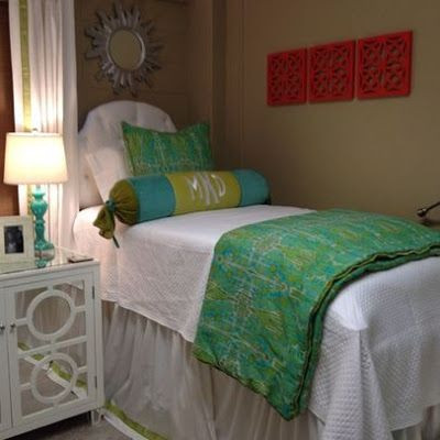 The Pink and Green Prep: dorm room (college girl bedding simple)