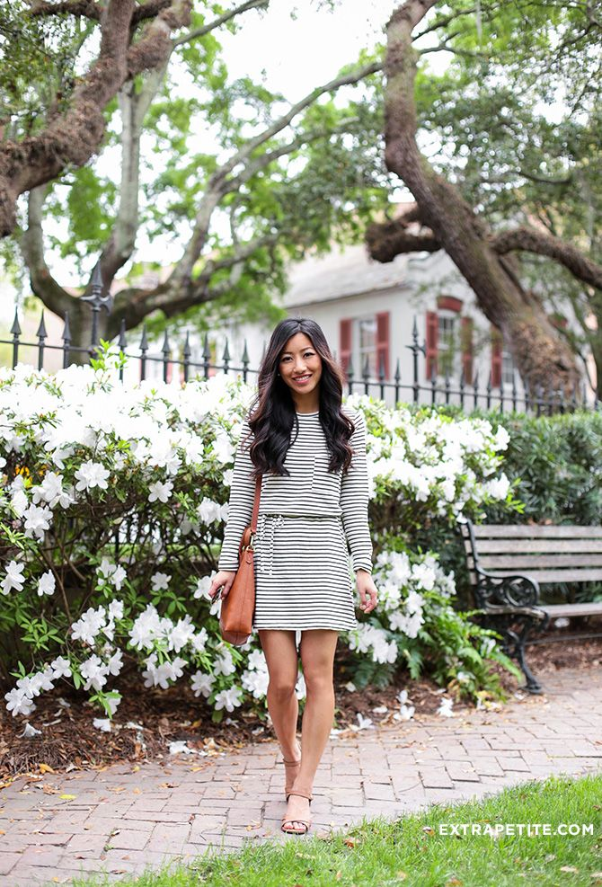 Casual tourist or travel outfit: striped dress, crossbody bag, low walk-able shoes // click through for all outfit info!