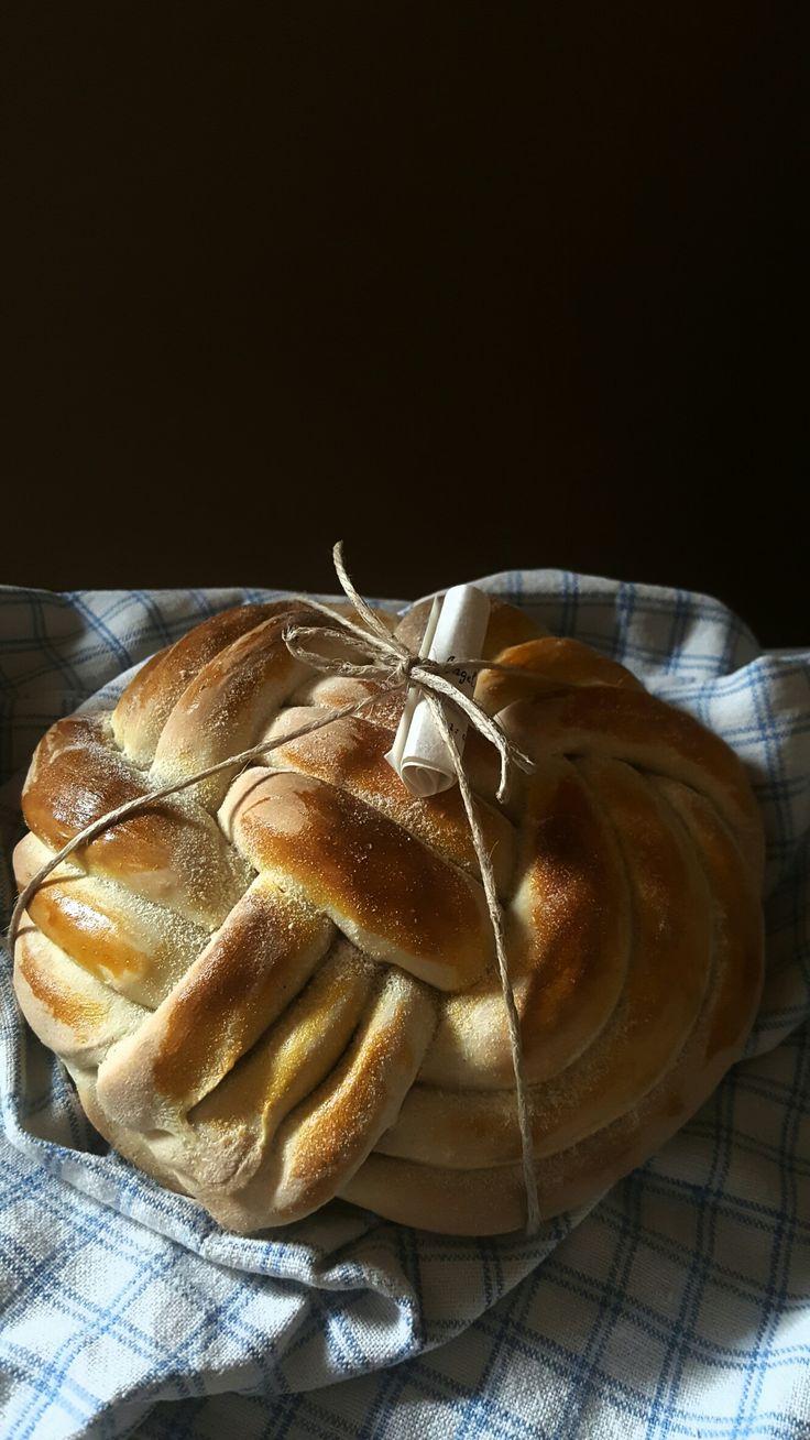 Pane intrecciato con farina di grani antichi