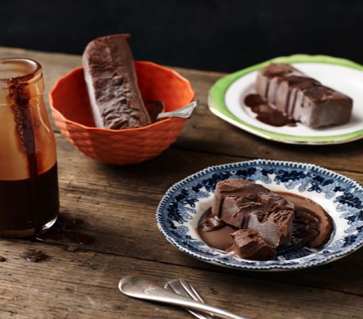 This Ice Chocolate Topping is great for serving over cakes or our sugar-free ice cream.