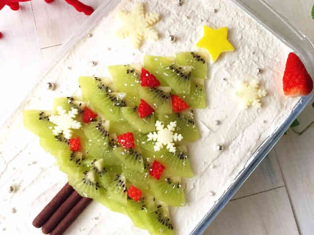 スコップケーキでクリスマスツリーケーキの画像