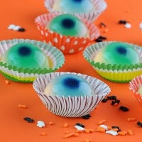 jello eyeballs ...I don't know why I want to make these..but I realllllllly want a reason!