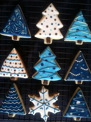 I used to make cute little cookies like these, frosted and all.  I think this year I may restart this tradition ~ ♡