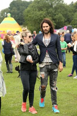 Celebrity gist:Russell Brand and gf expecting their first child together ~ Naija365 News