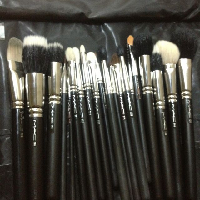 mac makeup brushes are the best want to learn how to