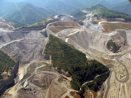 """Mountaintop removal mining:""""First there is a mountain, then there is no mountain, then there is"""" --- well, sort of"""
