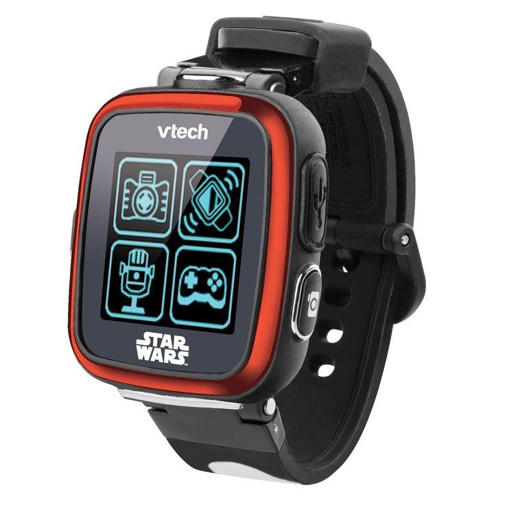 De STAR WARS Cam-Watch met kleuren touchscreen is zoveel meer dan alleen een horloge! Kies uit 30 digitale en analoge 3D klokweergaves om je horloge te personaliseren. Maak foto's en video's met je favoriete STAR WARS helden of beweeg je arm om coole Lightsaber geluidseffecten te horen. Speel 3 stoere spellen en gebruik de stappenteller om te zien hoeveel je beweegt. Volop intergalactisch speelplezier met dit coole horloge. - De coolste musthave geïnspireerd door een sterrenstelsel ver, ver…