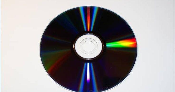 Cómo crear etiquetas de CD en una Mac. Crear etiquetas de CD ya no es una tarea sólo para las compañías de música y diseñadores gráficos. Con más gente almacenando archivos de respaldo, listas de reproducción de música personalizadas y documentos importantes de trabajo y proyectos en CD, la creación de etiquetas de CD para mantener un seguimiento eficaz de todos tus discos se ha ...