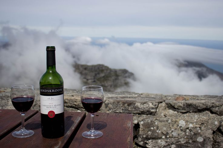 #amazingpic from a loyal #Landskroon #wine admirer ... enjoying our Cabernet Franc/Merlot on the top of #TableMountain