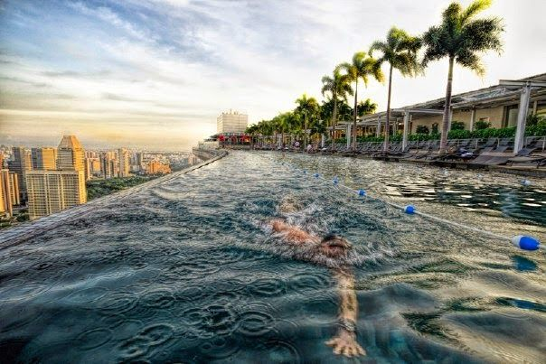 World Nature: Бассейн на крыше отеля Marina Bay Sands в Сингапур...