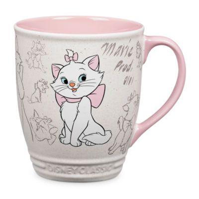 Njut av varma drycker tillsammans med en bortskämd katt. Muggen ingår i Animation Collection och är dekorerad med skisser av Marie från Aristocats.
