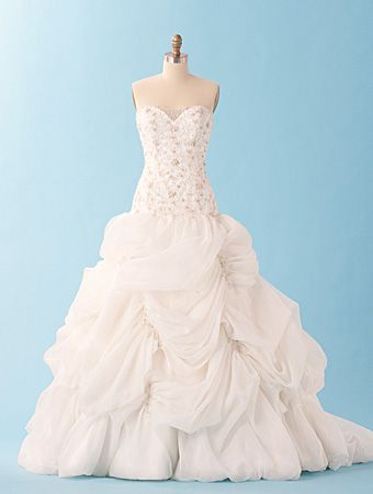 31 best Fairytale & Disney Princess inspired wedding gowns/dresses ...