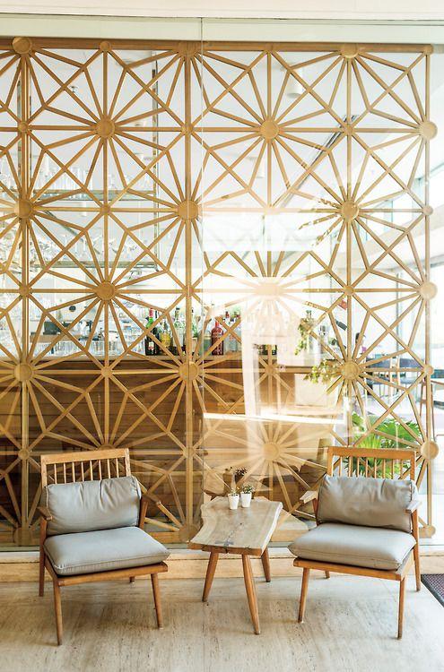 Istanbul's, Müzedechanga restaurant. Cool 60's inspired interior.