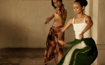 Ontosoroh. Ade and Prisha Bercinta. Photo by Arief Budianto