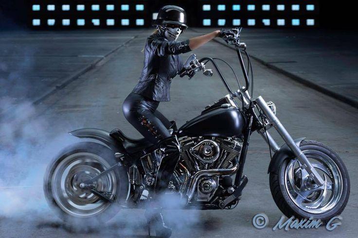 #spinner #harley #motorshoot #photoshoot #german_helmet #mova #harley_davidson #canon #profoto #female #model #studioshoot