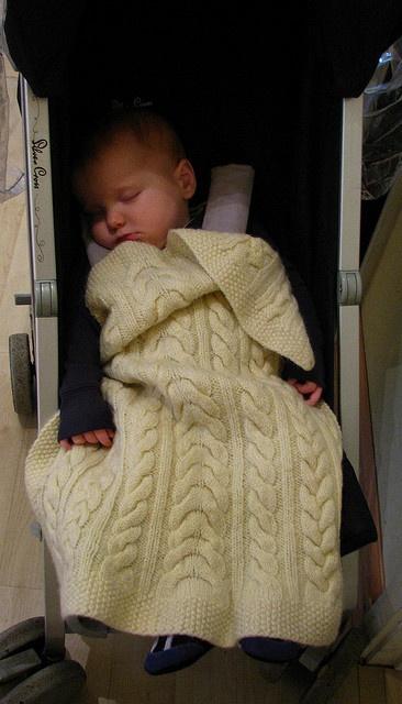 couverture bébé beige