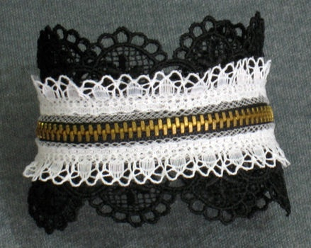 DIY Lacey Lolligoth Zipper Cuff Tutorial ~ Additional Similar Cuffs Links: http://media-cache-ak0.pinimg.com/736x/02/df/f7/02dff7898602fd8f999d9bb550085446.jpg .. http://media-cache-ec0.pinimg.com/736x/8b/99/28/8b9928a455ce6f0cc3497fe0e8a66044.jpg .. http://www.favecrafts.com/Bracelets/Toilet-Paper-Roll-Bracelet/ml/1#rzP4llqVOx7t0P68.32 .. http://www.createmixedmedia.com/make/stitiching/art-on-your-wrist