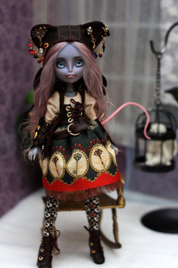 OOAK Monster High Puppe Mouscedes von kowka51rDoll auf Etsy