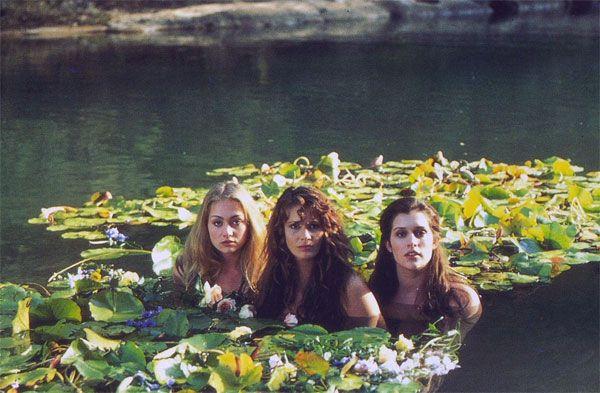 "Portia de Rossi, Elle MacPherson and Kate Fisher in ""Sirens"", John Duigan, 1994"