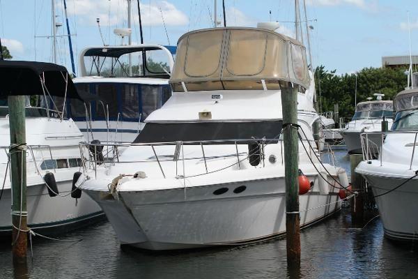 40' Sea Ray 2000 400 Sedan Bridge Boat For Sale www.EdwardsYachtSales.com