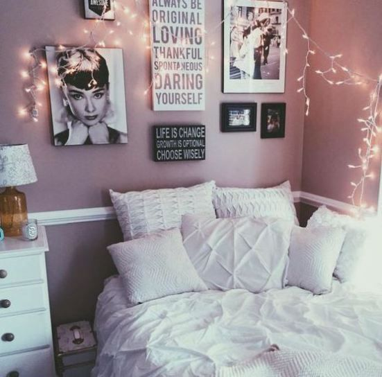This girly chic dorm is full of cute dorm room ideas!