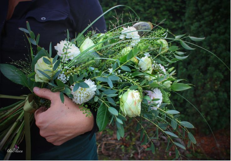 Beautiful presentation bouquet filled with Roses, Dahlia and Poppy seed heads.