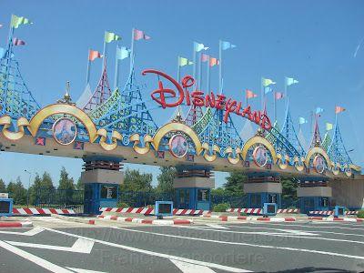 TOP WORLD TRAVEL DESTINATIONS: Disneyland Paris