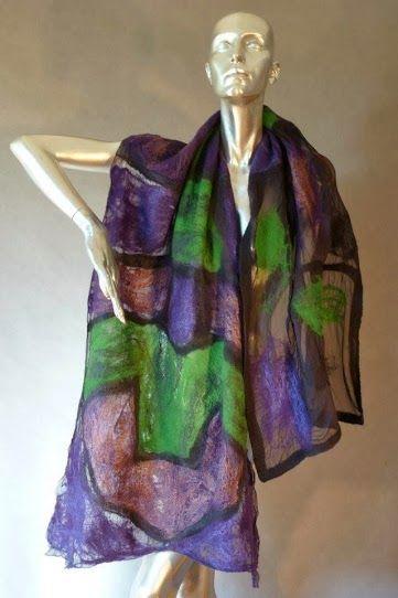 CRISTINA COUNTAS - une artiste autodidacte originaire de Roumanie, a commencé à exprimer sa passion de l'art quand elle a déménagé à Chypre dans les années 80. Après avoir obtenu un diplôme d'ingénieur en mécanique, il était une progression naturelle que ses débuts sur l'expérimentation de différents matériaux, tels que les techniques des textiles  elle l'a transféré  en carrière artistique.  Inspiré par Miro, Kandinsky, Klee et John Corbidge, ses premières œuvres étaient s…