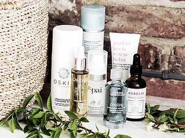Everything You Need To Know About Natural Beauty Products @paiskincare @aureliaskincare @lizearle @aveda @caudalieparis #skincare #beautyblog #beautyproducts #beautyphotography