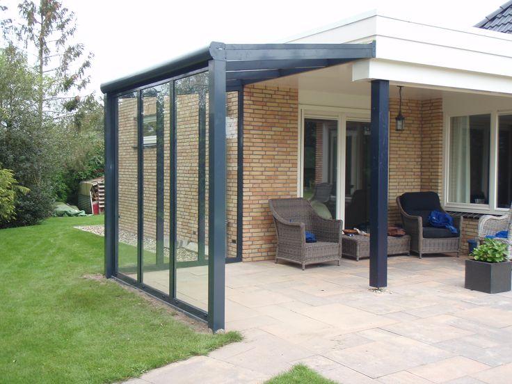 Veranda terrasoverkapping gemaakt van aluminium geeft sfeer in de tuin modern of klassiek - Modern tuinmodel ...