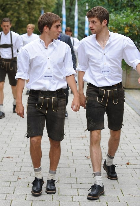 philip lahm and thomas mueller! Two of my favorite German soccer players!