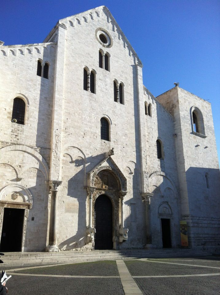 Basilica di San Nicola nel Bari, Puglia