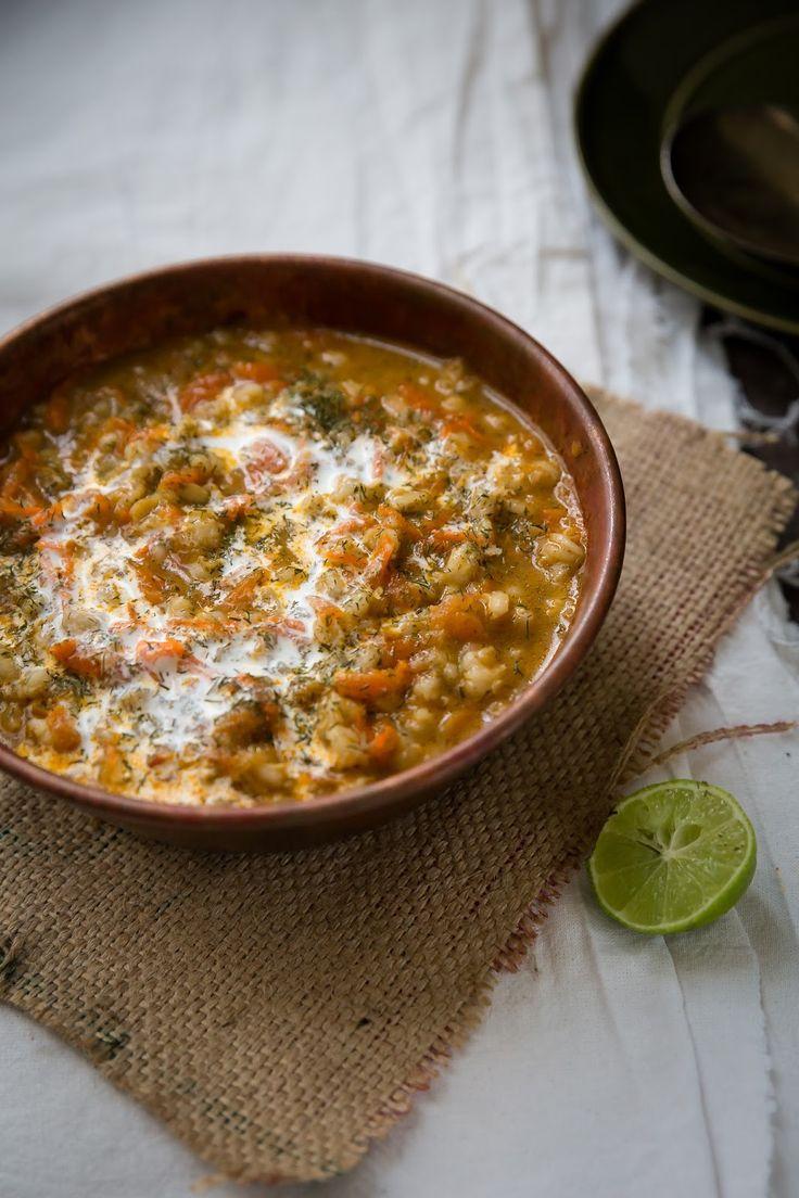Soupe iranienne a l'épeautre, tomates, carottes et oignons #vegan
