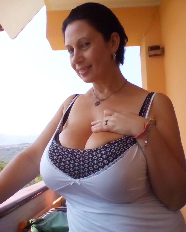 Matue busty 40plus lady