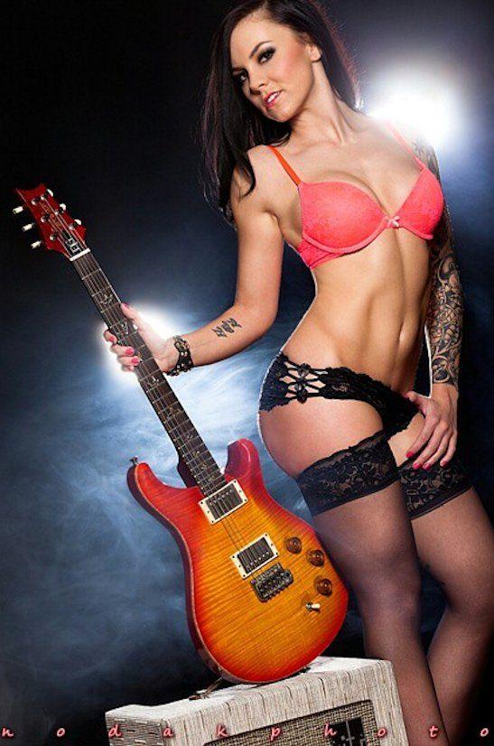 Sexy guitar babes, blonde girl giving blowjob