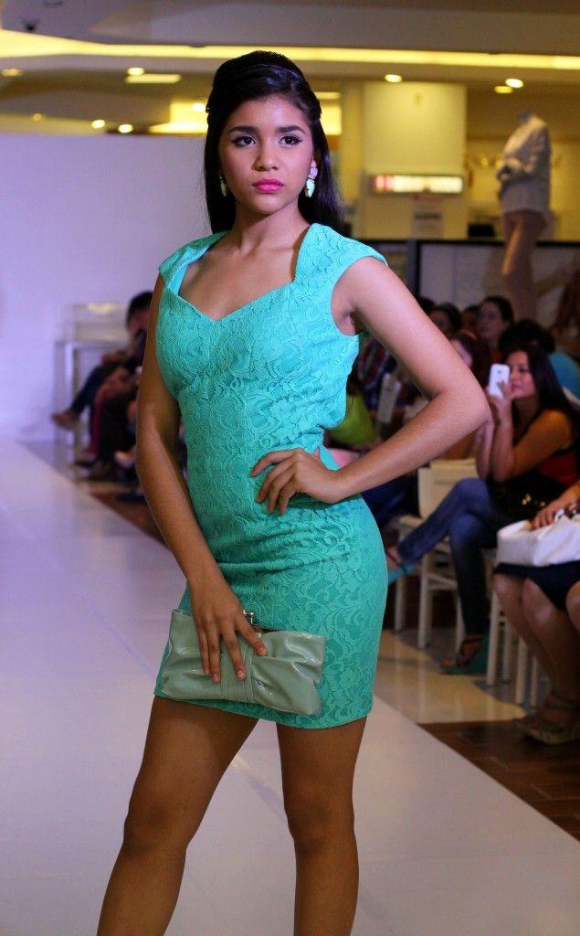 Vestido Corto De Encaje Color Verde Menta Vestidos