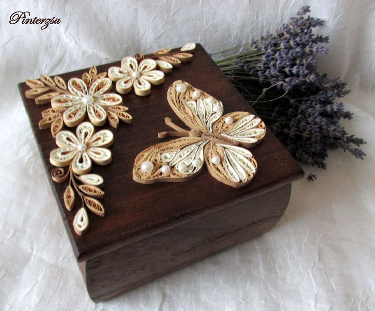 Antiqued quilled and decorated box - by: Pinterzsu
