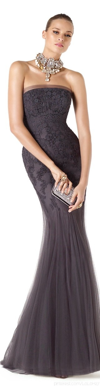 Evening gown, couture, evening dresses, formal and elegant. This is one of my favorite dresses I've seen in a long time.